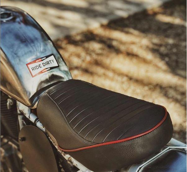 Selle personnalisée pour un Suzuki DR650 Scrambler