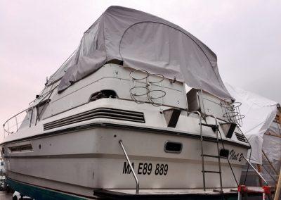 Réfection d'un auvent de bateau à moteur