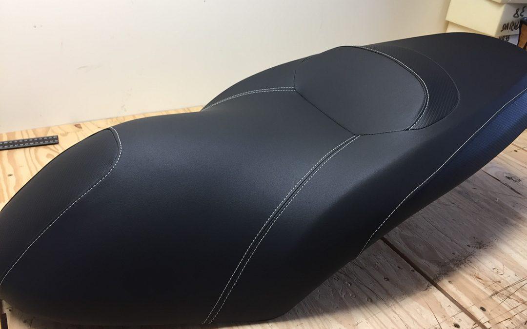Réparation d'une selle de scooter